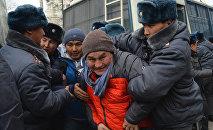 Задержание активистов, задержанных во время шествия за свободу слова в Бишкеке