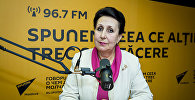 Архивное фото психолога, доктора наук Елены Ковалевой во время интервью