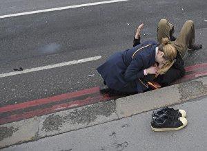 Пострадавшие в результате атаки на людей на Вестминстерском мосту в Лондоне