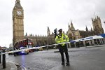 Улу Британиянын борбору Лондондо жасалган теракт жайында полиция кызматкерлери. Архивдик сүрөт