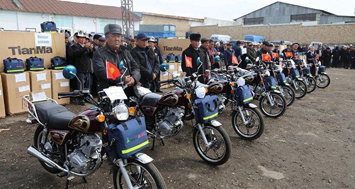 Ветеринары Ошской области сегодня, 23 марта, получили мотоциклы