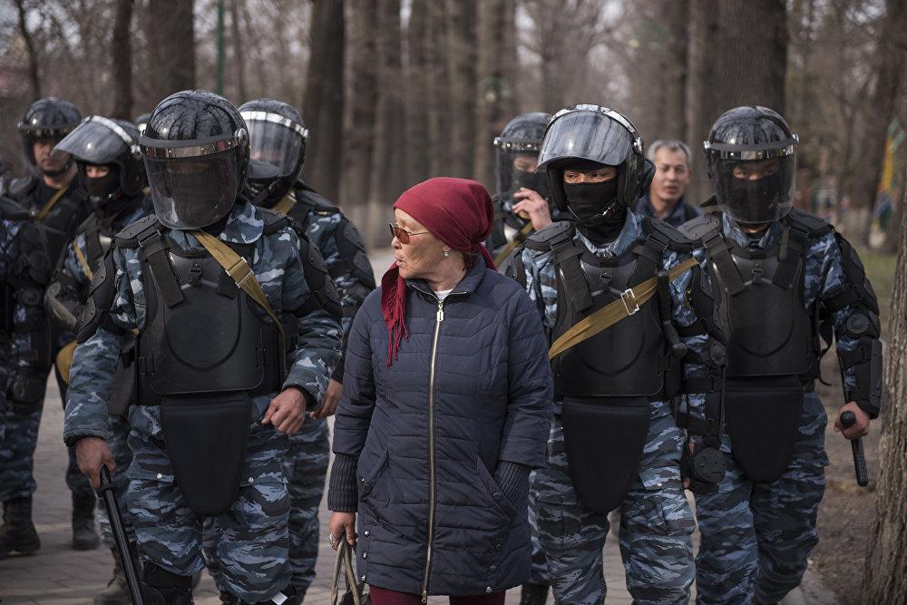 К разгону митинга был подключен полк специального назначения МВД