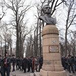 Милиция применила силу против митингующих