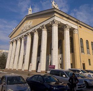 Абдылас Малдыбаев атындагы Кыргыз улуттук опера жана балет театры. Архивдик сүрөт