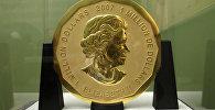 Стокилограммовая золотая монета Большой кленовый лист номинальной стоимостью в $1 млн и весом в 100 кг. Архивное фото