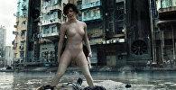 Актриса Скарлетт Йоханссон во время съемок фильма Призрак в доспехах