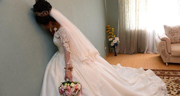 Невеста перед свадьбой. Архивное фото