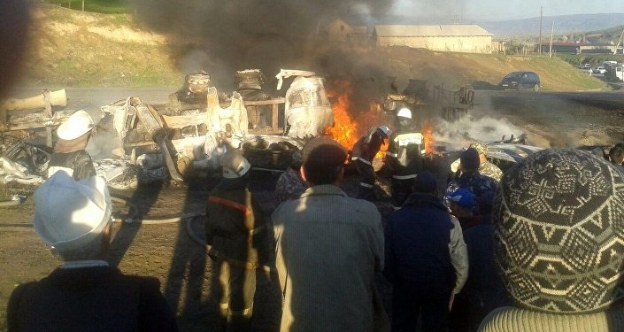 По предварительным данным, сгорели три человека