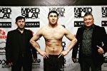 Архивное фото чемпиона Евразии по бирманскому боксу, кыргызстанца Бектура Мангиева