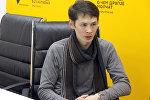 Руководитель кыргызской диаспоры в Кувейте Алтынбек Касымбаев во время интервью Sputnik Кыргызстан