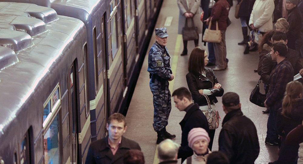 При взрыве вметро Санкт-Петербурга погибли люди