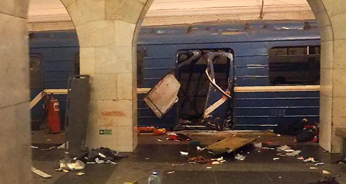 В понедельник в санкт-петербургском метро, на перегоне между станциями Сенная площадь и Технологический институт, прогремел взрыв