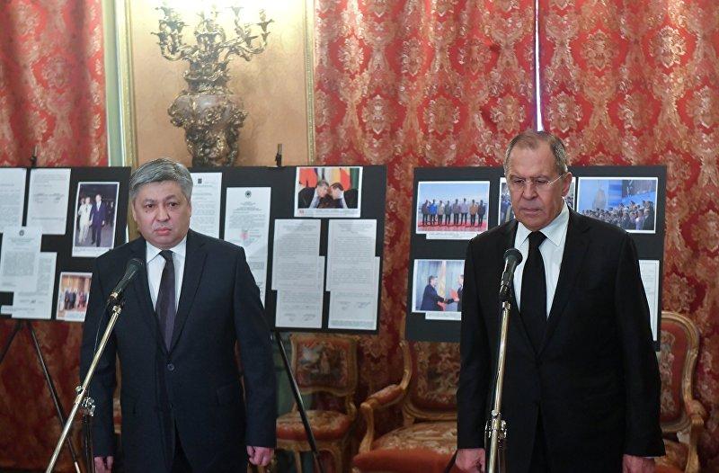 Встреча глав МИД РФ и Киргизии С. Лаврова и Э. Абдылдаева