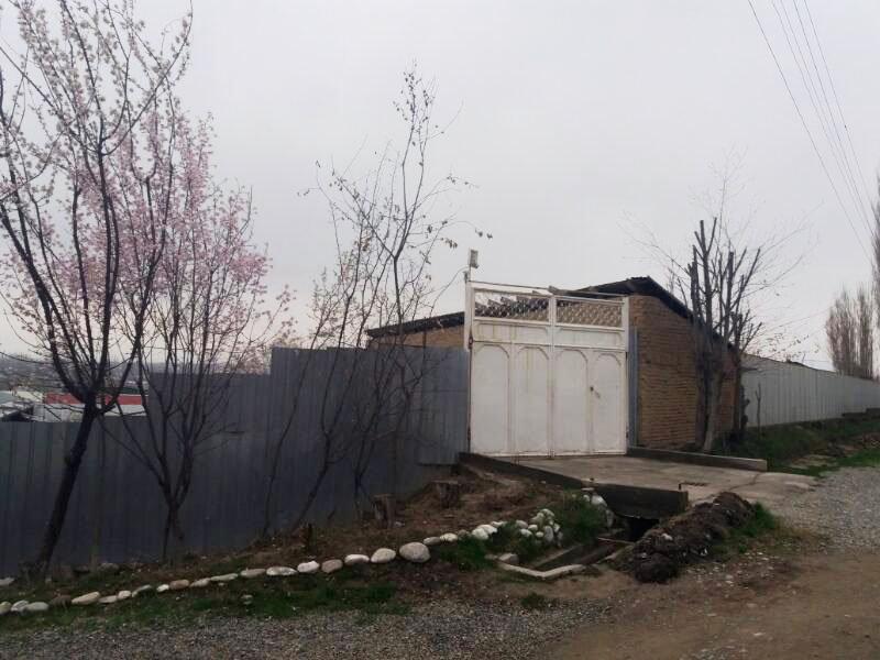 Дом в микрорайон Амир-Тимур в Ош, где живет семья Джалиловых