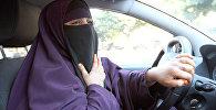 Женщина в никабе за рулем автомобиля. Архивное фото
