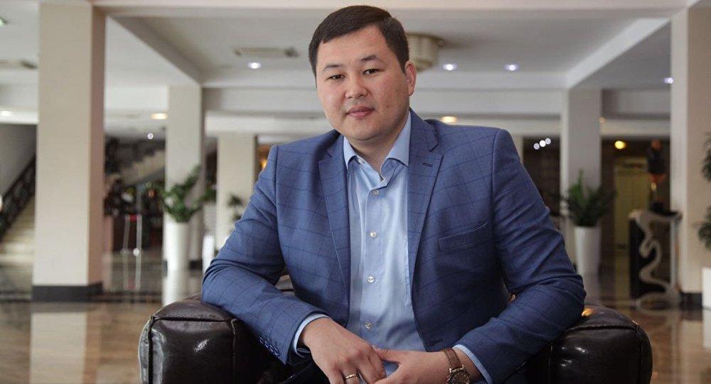Депутат Акылбек Жамангуловдун архивдик сүрөтү