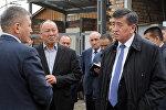 Gремьер-министр Ош облусуна болгон иш сапарынын алкагында Ош аймактык ветеринардык дарт аныктоо жана экспертиза борборунун ишмердүүлүгү менен таанышты