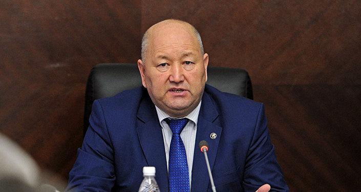 Архивное фото вице-премьер-министра Кыргызской Республики Жениша Разакова