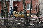 Петербургдагы имараттын облицовкасын түшүп кеткенден улам жабыркаган автоунаа