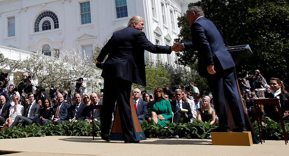 Король Иордании Абдалы II и президент США Дональда Трампа на совместном брифинге в Белом Доме в Вашингтоне