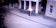 Взрыв у школы в Ростове-на-Дону сняла камера видеонаблюдения