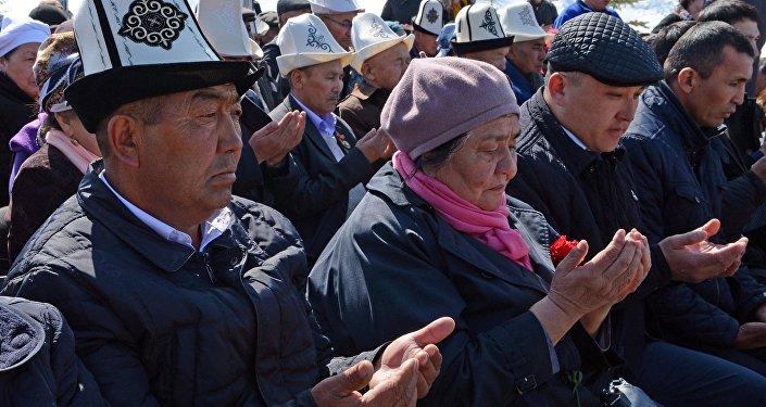 Бишкек революционный, 7 апреля 2010 года