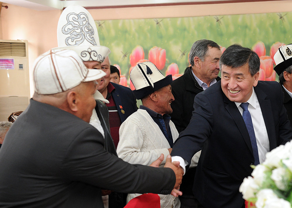 Премьер-министр КР Сооронбай Жээнбеков встретился с участниками апрельских событий 2010 года в Оше