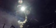 Военные США атаковали авиабазу Сирии. Кадры нанесения ракетного удара