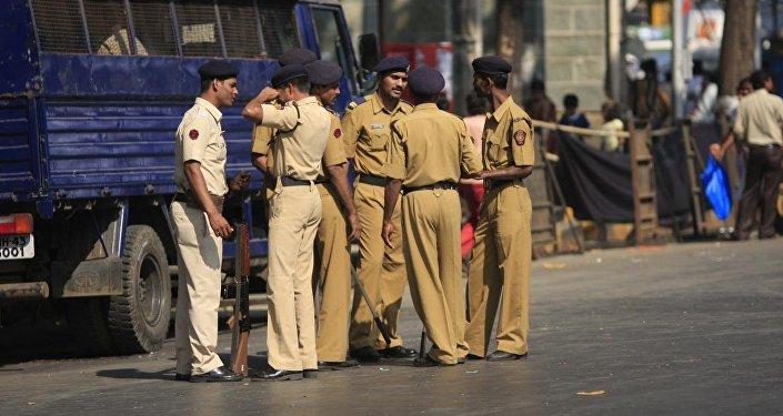 Индия полиция кзыматкерлери. Архивдик сүрөт
