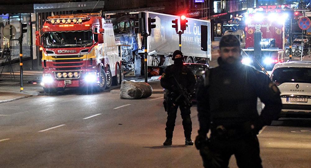 Стокгольмдогу болгон теракты жайда полиция кызматкери. Архивдик сүрөт