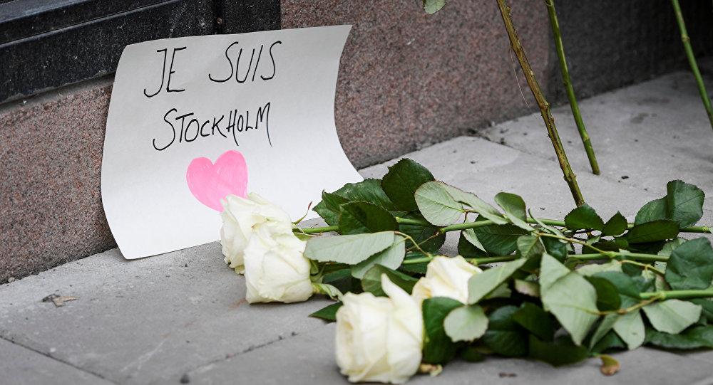 Стокгольмдун борборунда болгон теракты жерде коюлган гүлдөр