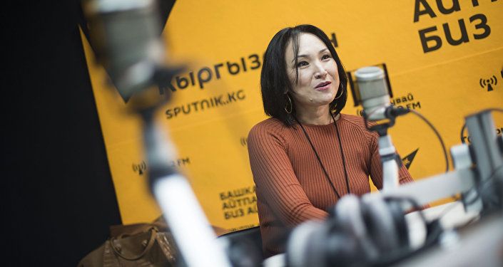 Ала-Тоо 24 маалымат телеканалынын директору Жылдыз Жумабекова маек учурунда