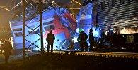 На месте столкновения пассажирского поезда и электрички в районе улицы Герасима Курина в Москве.