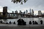 Вид на Манхэттен со стороны Бруклина в Нью-Йорке.