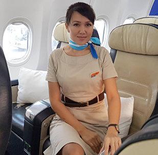Архивное фото стюардессы авиакомпании FlyDubai Наргизы Мукамбетовой