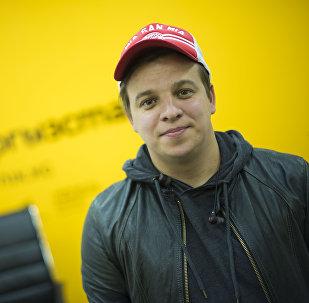 Архивное фото резидента Азии Mix Ростислава Ященко
