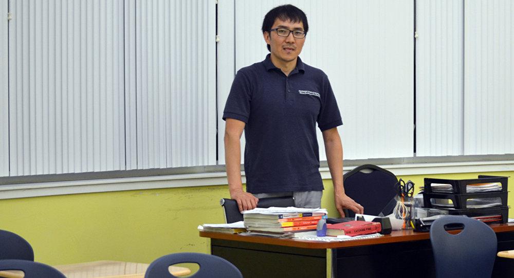 кыргызстанец, преподающий