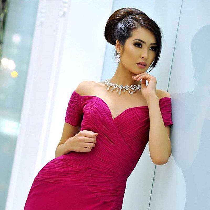 Участница конкурса красоты Top Model Of The World – 2016 модель Бегимай Карыбекова из Кыргызстана во время фотосессии
