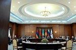 Главы стран-участниц ЕАЭС на заседании Высшего Евразийского экономического союза в расширенном формате