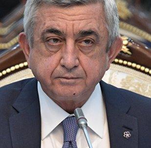 Президент Армении Серж Саргсян на заседании Высшего Евразийского экономического совета (ВЕЭС) на уровне глав государств в узком/расширенном составе в резиденции Ала-Арча в Бишкеке.
