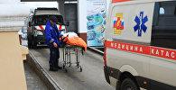Автомобиль скорой помощи у больницы. Архивное фото