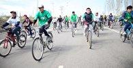 Жители города Ош на открытии велосезона