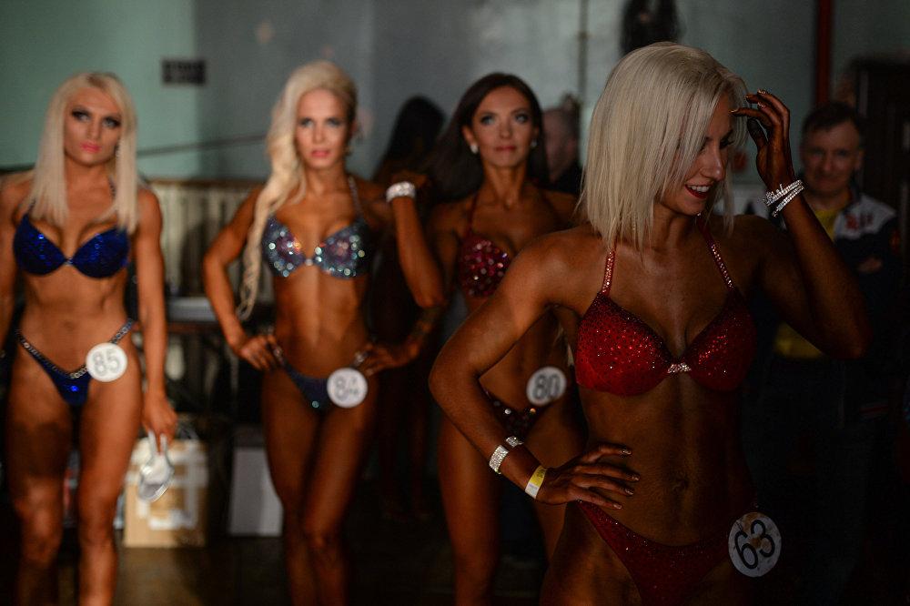 Новосибирскиде бодибилдинг, бодифитнес жана фитнес-бикини боюнча ачык чемпионат болуп өттү