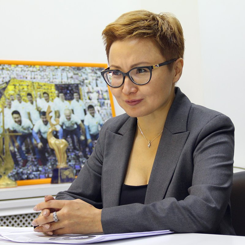 Директор национального филиала телеканала Мир Динара Суймалиева во время интервью ИА Sputnik Кыргызстан