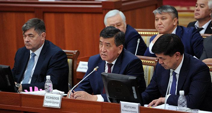 Коалиция парламентского большинства одобрила отчет премьера Сооронбая Жээнбекова о деятельности правительства за 2016 год
