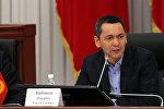 Президенттикке талапкер Өмүрбек Бабановдун архивдик сүрөтү