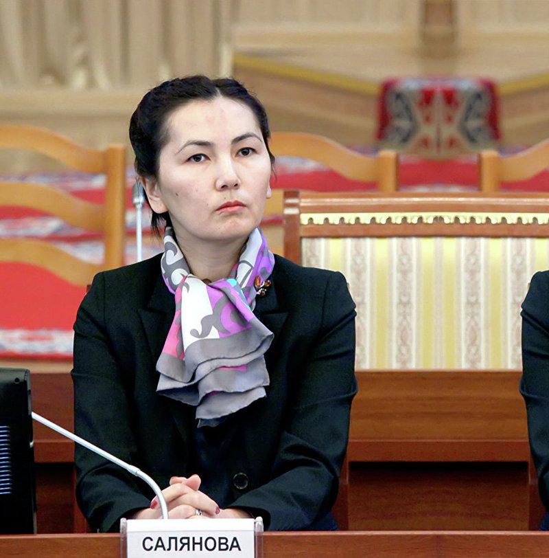 Генеральный прокурор Кыргызской Республики Аида Салянова на временной депутатской комиссии по расследованию факта задержания Н.Тюлеева