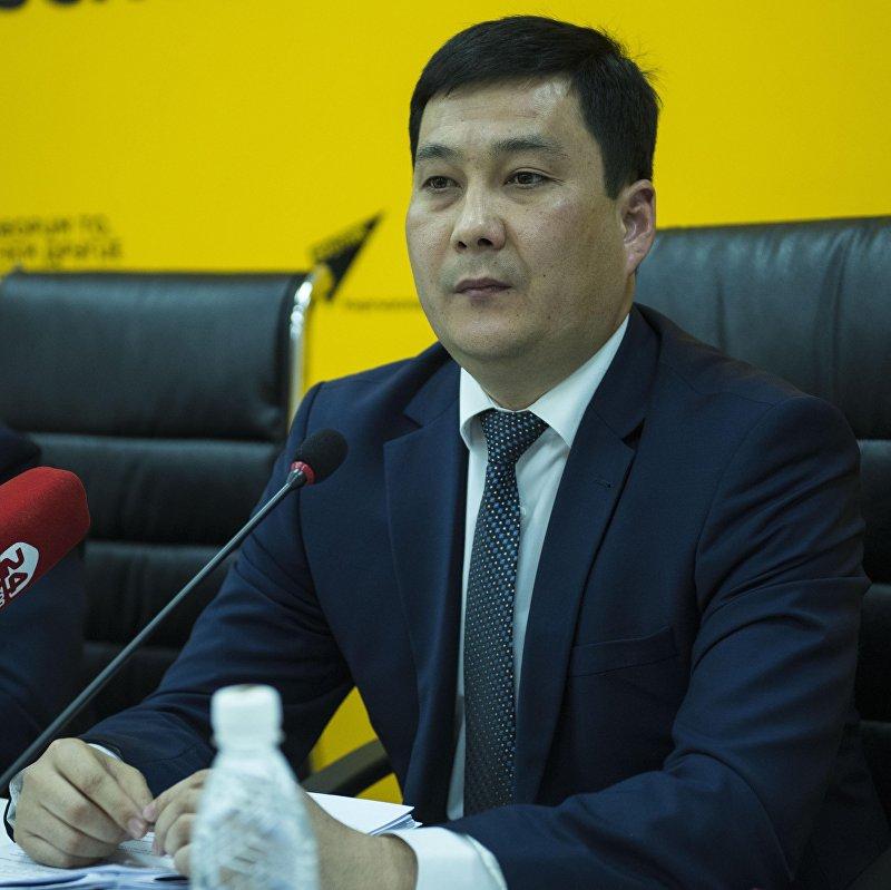 Аким Ленинского района столицы Нурдин Тынаев на пресс-конференции в пресс-центре Sputnik Кыргызстан.