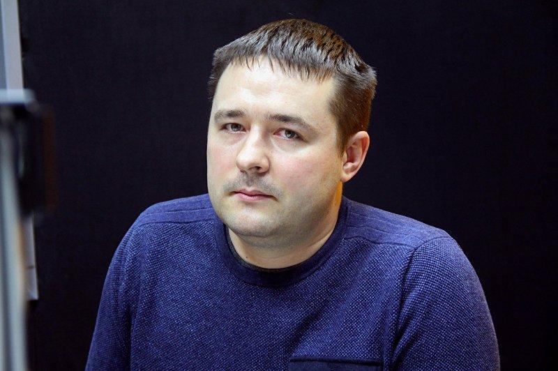 Владелец компьютерного магазина и активист Максим Золотых во время интервью Sputnik Кыргызстан