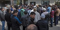 Милиция Бишкектеги Sapat Center имаратын курчоого алды